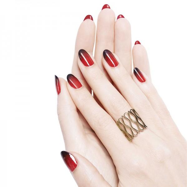 manicure-con-smalto-semipermanente